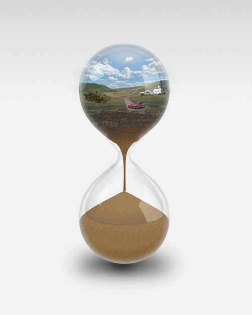 Create An Hourglass Photo Manipulation in Photoshop