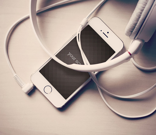 Free Iphone 5 photorealistic mockups