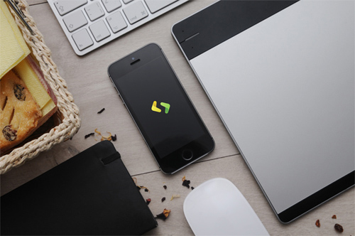 Apple Devices Photorealistic MockUps – Free Download