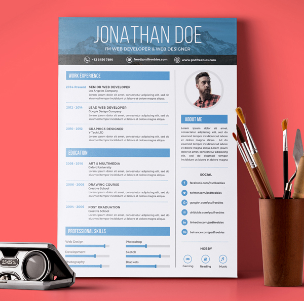 Free Creative Graphic Designer Resume PSD Template  Resume Template Design