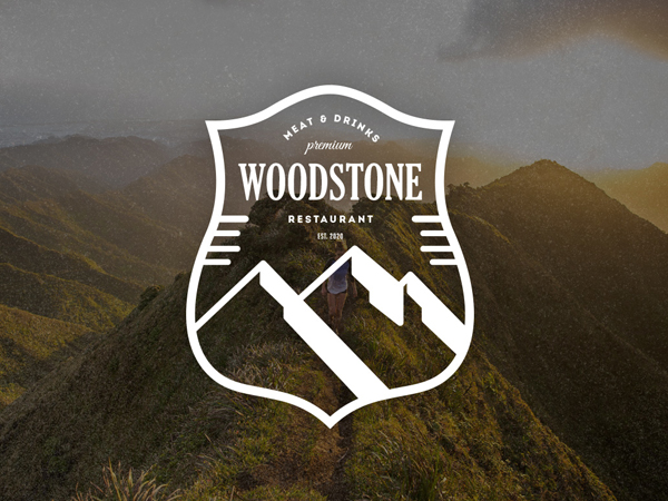 Insignia de WoodStone / insignia retra por Design District