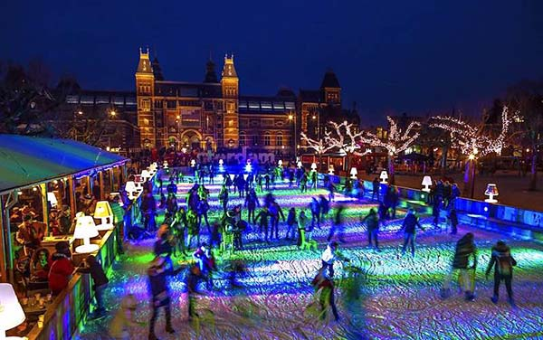 Christmas in World's Most Beautiful Cities - 14